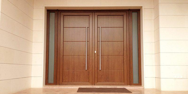 elegir puertas de interior o exterior en marbella y costa del sol