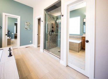 instalar puertas correderas baño